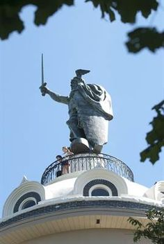 southern MN tour guide (Hermann the German statue in New Ulm, pictured)
