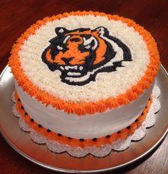 Fantastic 23 Best Cincinnati Bengals Cakes Images Cincinnati Bengals Personalised Birthday Cards Paralily Jamesorg
