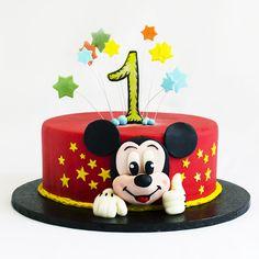Noi il prezentam pe Mickey Mouse, un personaj emblematic al companiei Disney in cea mai delicioasa forma cu putinta, astfel incat petrecerea copiilor sa fie un succes. Tortul este menit sa anime si sa bucure fiecare invitat in parte. Toate personajele preferate ale micutului tau au parte de un tratament special in cofetaria noastra si te asteptam cu cele mai nastrusnice provocari! Mickey Mouse, Cake, Desserts, Food, Character, Tailgate Desserts, Deserts, Kuchen, Essen