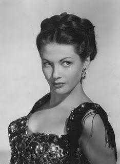 Yvonne Cabot - Pictures, News, Information from the web Old Hollywood Style, Old Hollywood Glamour, Golden Age Of Hollywood, Vintage Hollywood, Classic Hollywood, Yvonne De Carlo, Laetitia Casta, Claudia Schiffer, Gwyneth Paltrow