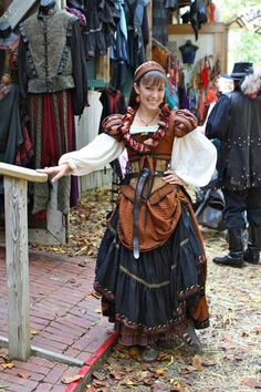 Moresca, Maryland Weekend.  I really miss the Maryland Ren Fest - really, really.  sigh