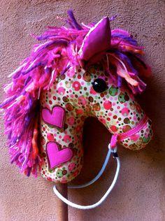 fácil caballo con tela y palo de cepillo