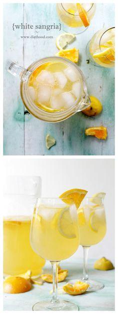 White Sangria Recipe: Fresh and fruity White Sangria made with white wine, triple sec, fresh orange juice and lemon juice. Wine Cocktails, Non Alcoholic Drinks, Cocktail Drinks, Sangria Wine, Refreshing Drinks, Summer Drinks, Summer Parties, Party Drinks, Fun Drinks
