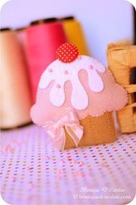o cupcake de feltro é da Boutique D'Caroline