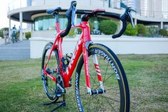Fabian Cancellara rides a special race team version of the Madone, and he is still using mechanical shifting.