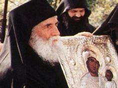 Η αγάπη του Γέροντα Παΐσιου για όλο τον κόσμο είναι γνωστή .Ο Γέροντας έχει βοηθήσει πλήθος ανθρώπων και πριν και μετά την κοίμησή του. Από πού ελάμβανε τη δύναμη να στηρίζει τους ανθρώπους αλλά και να θαυματουργεί; Από την θερμή του προσευχή προς το Θεό. Prayer For Family, Free To Use Images, Byzantine Art, Orthodox Icons, Holiday Parties, Christianity, Monaco, Saints, Prayers