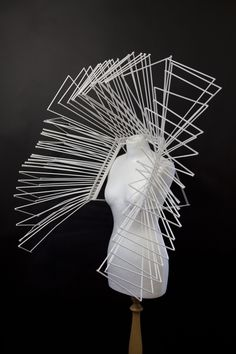 I love this piece because the white strips are going in all directions and is very dynamic. I like the fact that it is shaping inward to the body. Geometric Fashion, 3d Fashion, Geometric Jewelry, Fashion Shoot, Fashion Design, Collar Circular, Advanced Higher Art, Body Adornment, Recycled Jewelry