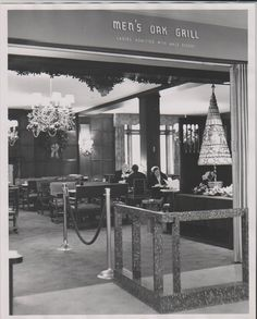 The Oak Grill, located on the floor of the downtown Minneapolis Dayton's. From the Hennepin History Museum collection. Minnesota Home, Minneapolis Minnesota, Local Hero, Twin Cities, History Museum, Department Store, Back In The Day, Christmas Diy, Christmas Lights