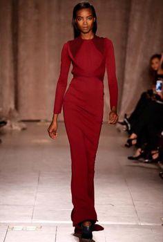 Maria Borges voltou a arrasar nas passarelles da semana de moda de Nova York, desfilando na coleção de Zac Posen e Polo Ralph http://angorussia.com/entretenimento/moda/maria-borges-voltou-a-arrasar-nas-passarelles-da-semana-de-moda-de-nova-york-desfilando-na-colecao-de-zac-posen-e-polo-ralph/