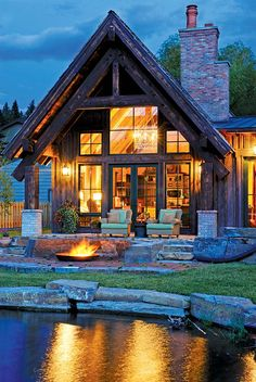 A unique condo project at Montana's Flathead Lake melds the look of a modern mountain lodge with Old World style.