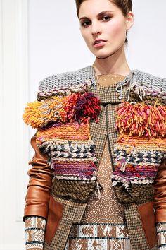 New Knitting Cardigan Boho Ideas Knitwear Fashion, Knit Fashion, Gilet Crochet, Knit Crochet, Fashion Details, Fashion Design, Style Fashion, Weaving Textiles, Fabric Manipulation