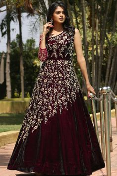 desiwhatsapp on to order this. Pakistani Formal Dresses, Indian Dresses, Indian Evening Gown, Evening Gowns Online, Velvet Dress Designs, Western Gown, Party Kleidung, Indian Wedding Outfits, Indian Outfits