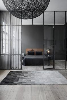 WovenGround Fade rug by Linie Desgin -grey
