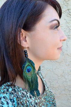 #feathers #earrings #featherearrings #featherjewelry #peacockfeathers #peacockearrings #tribal #indian #festivalearrings #raves