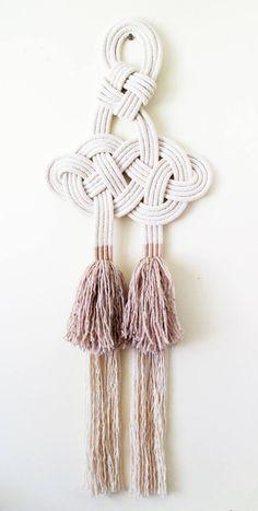 Knot wall art Celtic knot Wool tassels Wall hanging – Home Design Arts Macrame Wall Hanging Patterns, Macrame Plant Hangers, Macrame Patterns, Macrame Design, Macrame Art, Macrame Knots, Celtic Knot Tutorial, Celtic Decor, Rope Art