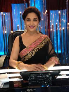 Arvind pandit kansas | love the saree http://arvindpandittip.weebly.com/uploads/5/2/5/7/52573095/2579578_orig.jpg