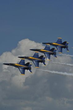 Diamond Formation - Blue Angels, Pensacola, Florida