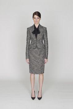 Monique Lhuillier | Pre-Fall 2012 Collection | Vogue Runway