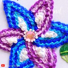 STITCH FLOWER We are going to embroider this beautiful fantasy flower using the scroll stitch.We are going to embroider this beautiful fantasy flower using the scroll stitch. Hand Embroidery Videos, Hand Embroidery Flowers, Embroidery Stitches Tutorial, Flower Embroidery Designs, Creative Embroidery, Learn Embroidery, Silk Ribbon Embroidery, Cross Stitch Embroidery, Crewel Embroidery
