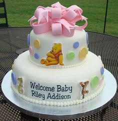 Winnie the Pooh Baby Shower Cake Love this! Adorable!