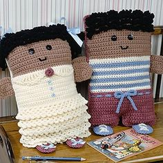 Leisure Arts - More Pillow Dolls Crochet Patterns ePattern, $ 4.99 (http://www.leisurearts.com/products/more-pillow-dolls-crochet-patterns-digital-download.html). Kinda cute!