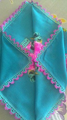 This Pin was discovered by HUZ Crochet Hood, Crochet Needles, Diy Crochet, Crochet Stitches, Crochet Butterfly, Crochet Mandala, Saree Tassels Designs, Crochet Scrubbies, Knitting Patterns