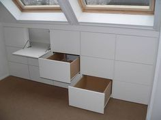 Under window storage. This would be great for attic spaces. Eaves Storage, Loft Storage, Storage Ideas, Smart Storage, Loft Room, Bedroom Loft, Eaves Bedroom, Attic Bedroom Storage, Attic Rooms