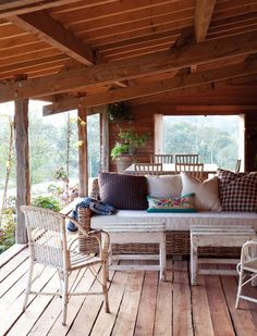 love the roof and the deck.. deep stoep perfect x