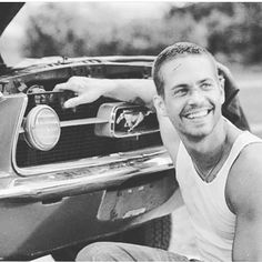 The late actor Paul Walker with a classic Mustang! Paul Walker Tribute, Paul Walker Photos, Actor Paul Walker, Paul Walker Movies, Cody Walker, Rip Paul Walker, Dominic Toretto, Ludacris, Vin Diesel