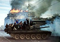 Romanian revolution, 1989 via reddit - Historical Times
