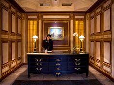 Visione d'insieme della reception dell'Hotel Santa Maria Novella