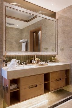 Bathroom decoration ideas: Are you deciding to decorate your bathroom with a few great decorations? Search through ideas of bathroom decor and colors to create your perfect home. Click the link for more. Bathroom Hacks, Bathroom Toilets, Diy Bathroom Decor, Bathroom Renovations, Bathroom Interior, Small Bathroom, Washroom, Bathroom Organization, Organization Ideas