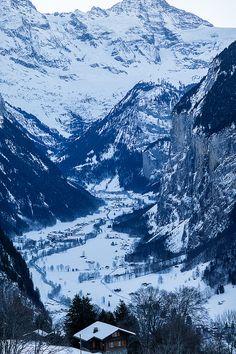 View from Wengen to Lauterbrunnen Train - Lauterbrunnen Valley, Swiss Alps - 2011 - X Tan photography - https://www.flickr.com/photos/x_tan/7581616350/in/set-72157628952994585