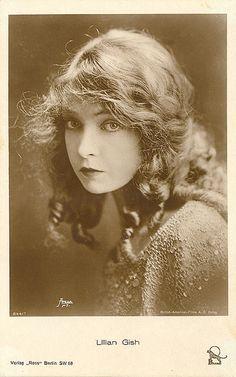 Lillian Gish  http://en.wikipedia.org/wiki/Lillian_Gish