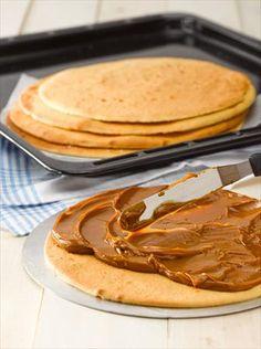 Peruvian Desserts, Crepe Cake, Diy Food, Crepes, Scones, Sweet Recipes, Cupcakes, Cooking, Magdalena