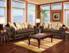 LOVE SEAT SET SM7620-LV TATUM COLLECTIONFrom rich upholstery hues to perfect curves, this collection features a traditional infl uence that is ready to be dressed up modern. Intricate wood carving outlining the collection arms and base, decorative feet