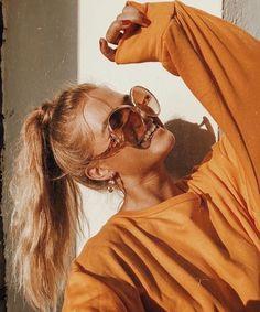 𖤐 insta 𖤐 Hastag Instagram, Foto Instagram, Orange Tumblr, Look Body, Jumper, Photos Originales, Orange Aesthetic, Tumblr Girls, Mellow Yellow