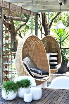 How cozy do those chairs look. / Balkon / Terrasse - How cozy do those chairs look. / Balkon / Terrasse How cozy do those chairs look. Outdoor Rooms, Outdoor Gardens, Outdoor Living, Outdoor Decor, Outdoor Ideas, Outside Living, Swinging Chair, Rocking Chair, Deco Design