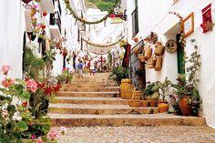 フリヒリアナ(Frigiliana)や世界各地の旅行・観光の絶景画像|アイディア・マガジン「wondertrip」