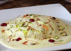 How to make Shaahi Tukda – Indian Tasty Dessert Indian Dessert Recipes, Indian Sweets, Indian Snacks, Dessert Ideas, Indian Recipes, Shahi Tukda Recipe, Delicious Desserts, Yummy Food, Delicious Dishes
