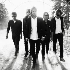 Switchfoot is a grammy-winning alternative rock band from San Diego, California, United States. The band was formed in 1996 with the brothers Jon Foreman (lead singer/guitarist) and Tim Foreman (bass). Invisible Children, Contemporary Christian Music, Alternative Rock Bands, Band Pictures, My Favorite Music, Favorite Quotes, Kinds Of Music, Music Bands, Rock Music