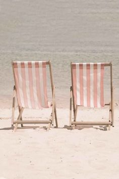 Pretty in Pink Beach Chairs. Save us a seat! Pink Beach, Pink Summer, Summer Of Love, Summer Time, Summer Colors, Summer Beach, Summer Sun, Summer Days, Hawaii Beach