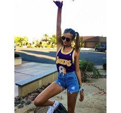 Les tattoos gyspy d'Alessandra Ambrosio, les longueurs rainbow de Kylie Jenner, le platine de Taylor Swift… Zoom sur les plus belles coiffures et les plus beaux make-up des stars, qui assurent le show à Palm Springs.