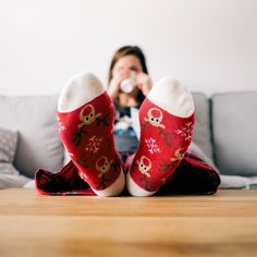 How To Stay Healthy This Holiday Season - zahnpasta Marketing Trends, Natural Cold Remedies, Best Stocking Stuffers, Christmas Gifts For Mom, Christmas Ideas, Christmas Inspiration, Christmas Eve, Family Christmas, Christmas Shopping