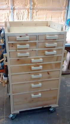 chest Tool chest - would love to replace my old metal chests with this.Tool chest - would love to replace my old metal chests with this. Wood Tool Box, Wood Tools, Wooden Tool Boxes, Tool Box Diy, Diy Tools, Tool Storage Cabinets, Garage Storage, Wood Storage, Craft Storage