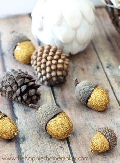 Such a Pretty, Easy Autumn Craft: Glittered Acorns DIY