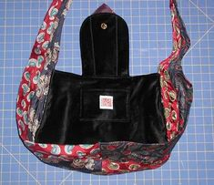 Got lots of neck ties lying around? Use them to make this unique bag! Necktie Purse, Tie Crafts, Tie Quilt, Unique Bags, Sewing Basics, Lining Fabric, School Bags, Neck Ties, Purses