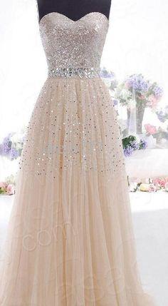 Si elegir el vestido para tus damas de Quince se ha vuelto todo un drama, aquí te dejamos con una hermosa selección que seguro encantara a tus chicas. | Quinceanera Dresses | Dresses | Prom Dress | Homecoming Dress |