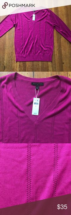 """FINAL ⬇️ NWT Banana Republic Magenta Sweater New with tags! Great color for winter. 3/4 sleeve length. Bust measures 19"""", length 26"""" Banana Republic Sweaters V-Necks"""