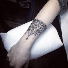"""""""Wrist cuff by ::: @flonuttall"""""""
